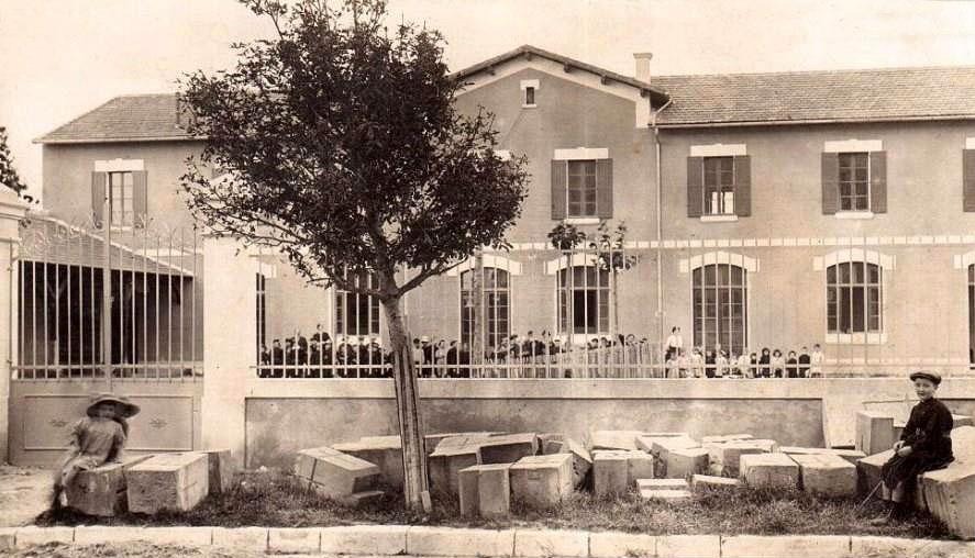 1926311348.jpg